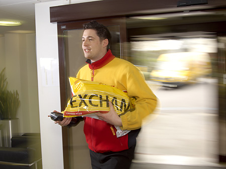 DHL Exchange delivery, Hounslow