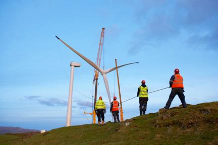 Installing wind turbine rotor
