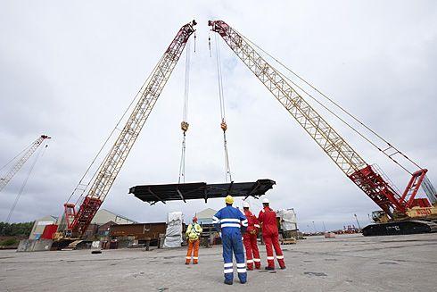 Crane lift of platform into pposition